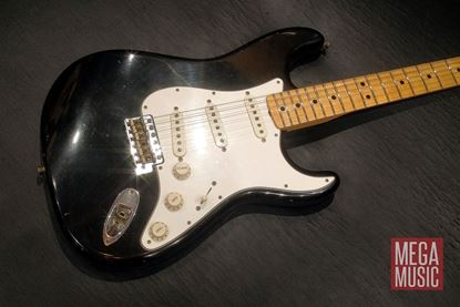 Fender Custom Shop 1969 Journeyman Relic Stratocaster MN Aged Black - front angle