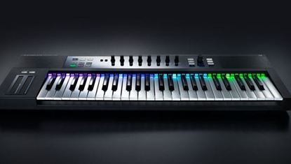 Native Instruments Komplete Kontrol S61 - Keyboard Controller (61 Keys)