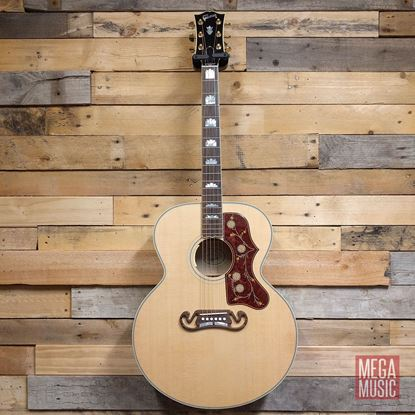 Gibson J-200 Standard 2019 Acoustic Guitar Antique Natural - Front