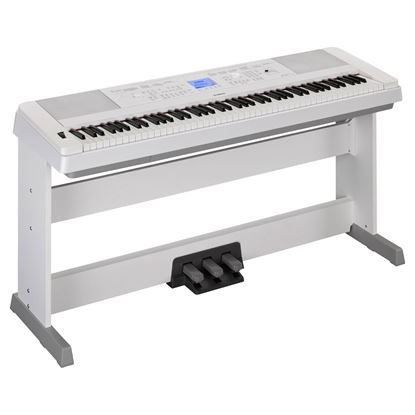 Yamaha DGX-660 Portable Digital Grand Piano White with BONUS LP7A Pedal Unit (DGX660)