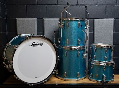Ludwig Classic Maple Studio Drum Kit with 22in Bass Drum in Teal Sparkle