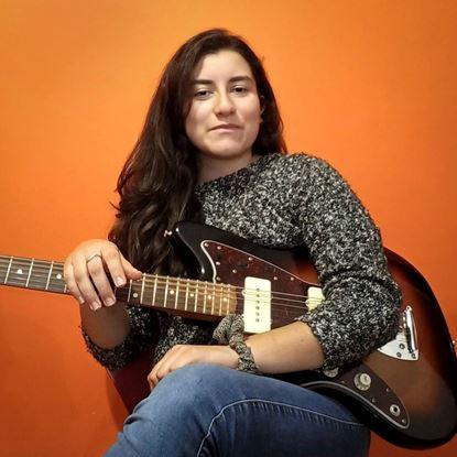 Silvia Molano - Guitar and Ukulele Teacher